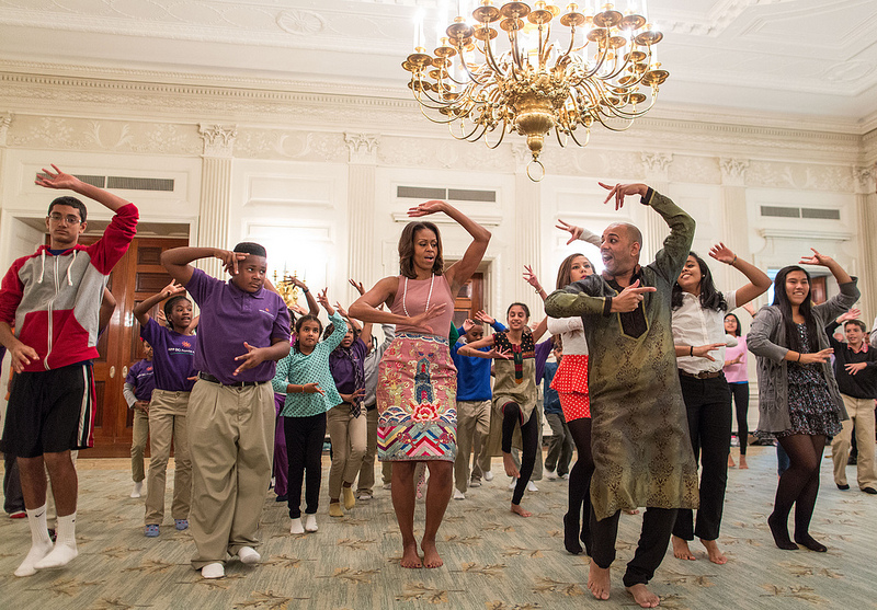 michelle obama diwali bollywood dance