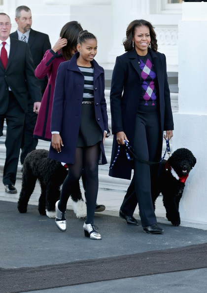 sasha malia obama white house christmas tree