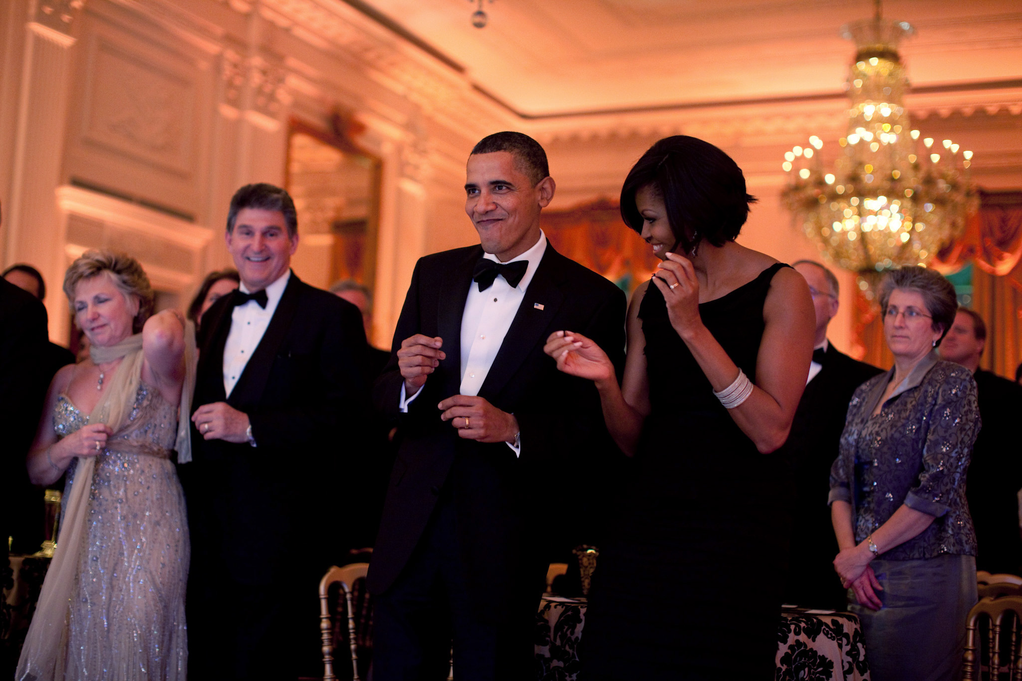 michelle and barack dancing together