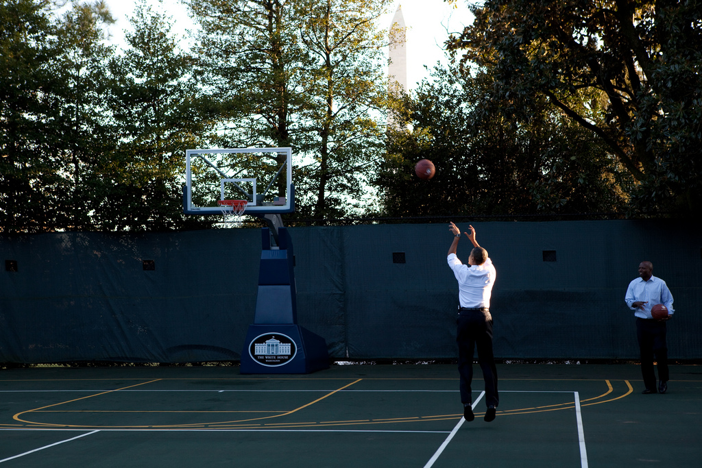 obama basketball jump shot