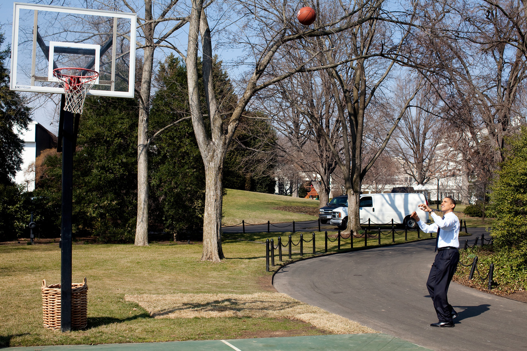 obama hoops